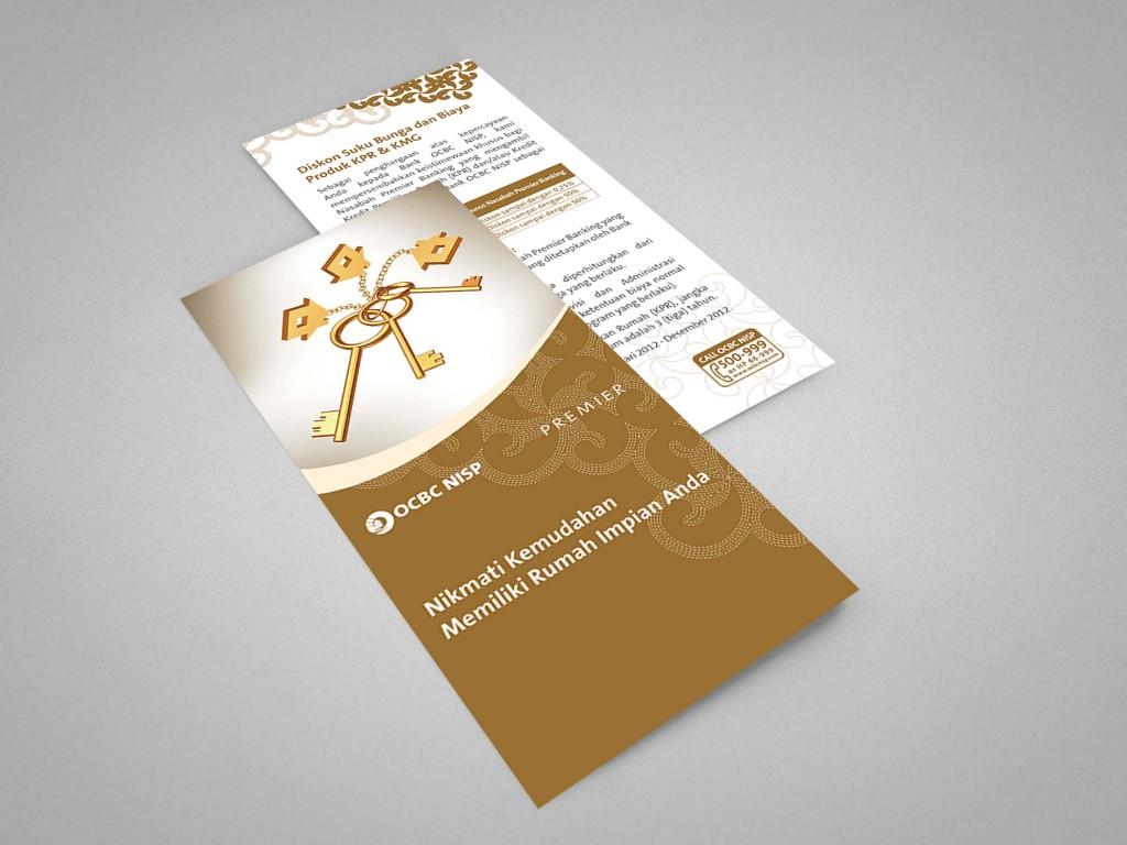 04_tri-fold_brochure_mockup-3