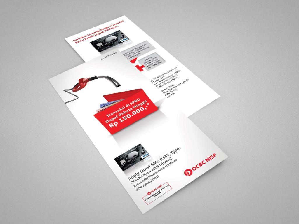 04_tri-fold_brochure_mockup-2